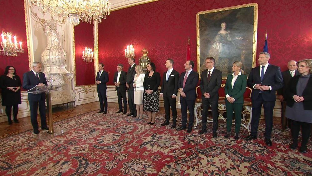 Αυστρία: Ορκίστηκε η νέα κυβέρνηση του Σεμπάστιαν Κουρτς