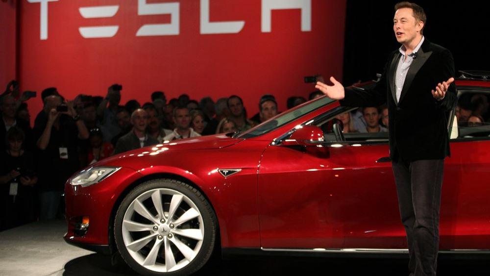 Στο δυστύχημα με το Tesla Model 3 ο οδηγός χρησιμοποιούσε τον αυτόματο πιλότο