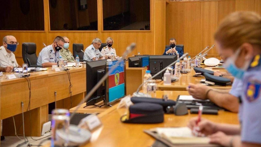 Σύσκεψη Στεφανή με εκπροσώπους των Ενόπλων Δυνάμεων και των Σωμάτων Ασφαλείας