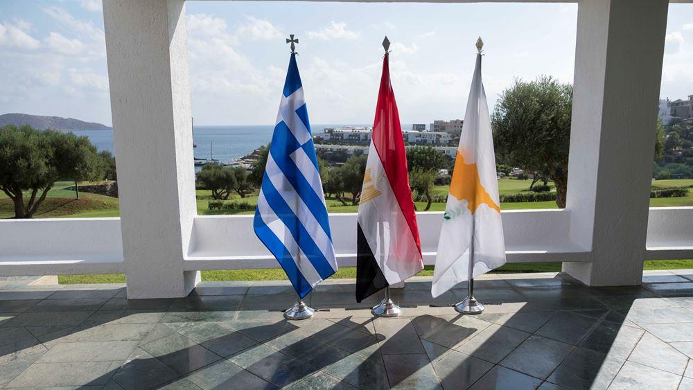 Σε εξέλιξη οι τριμερείς διαβουλεύσεις των αντιπροσωπειών Ελλάδας-Κύπρου-Αιγύπτου