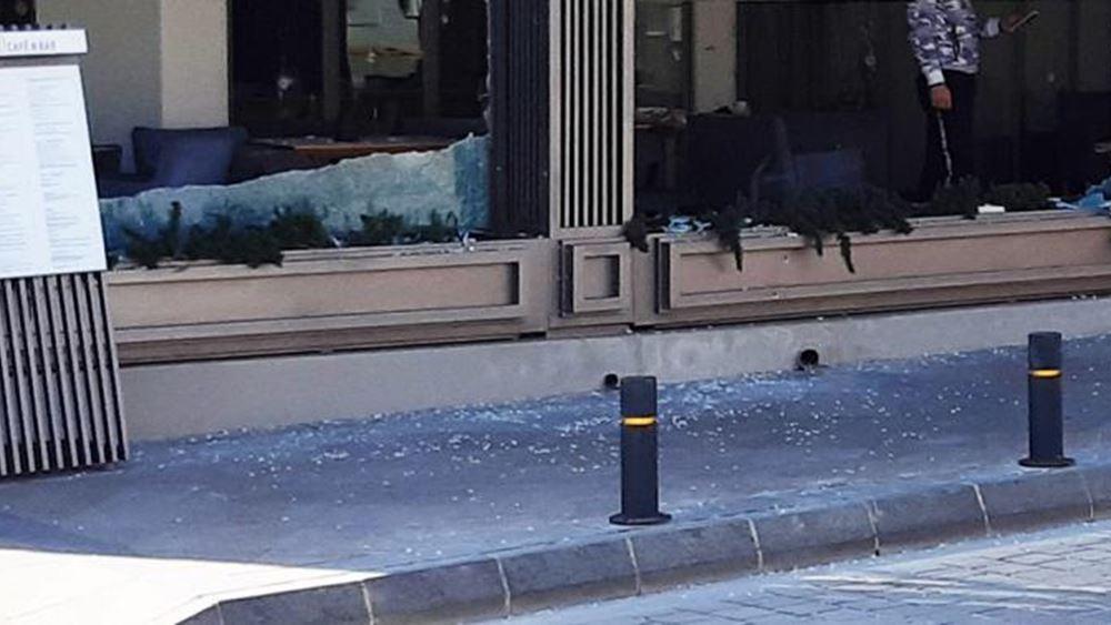 """Κύπρος: Με 25 σφαίρες """"γάζωσαν"""" καφετέρια στην Αγία Νάπα"""