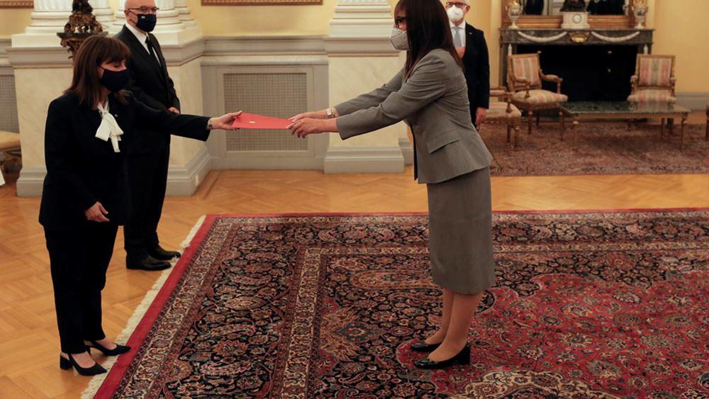 Διαπιστευτήρια στην Πρόεδρο της Δημοκρατίας επέδωσαν οι νέοι πρέσβεις πέντε χωρών