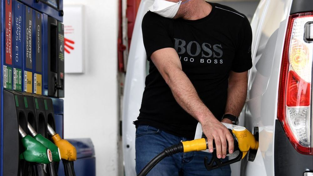 Ποιος είναι ο μεγάλος κίνδυνος που μπορεί να οδηγήσει σε νέα κατάρρευση την τιμή του πετρελαίου