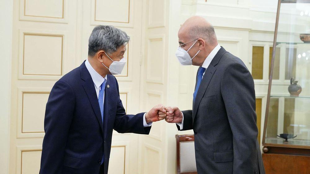 Συνάντηση Ν. Δένδια με τον απερχόμενο πρέσβη της Δημοκρατίας της Κορέας
