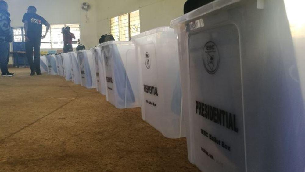 Προεδρικές εκλογές σήμερα στην Κένυα μέσα σε κλίμα έντασης και αβεβαιότητας