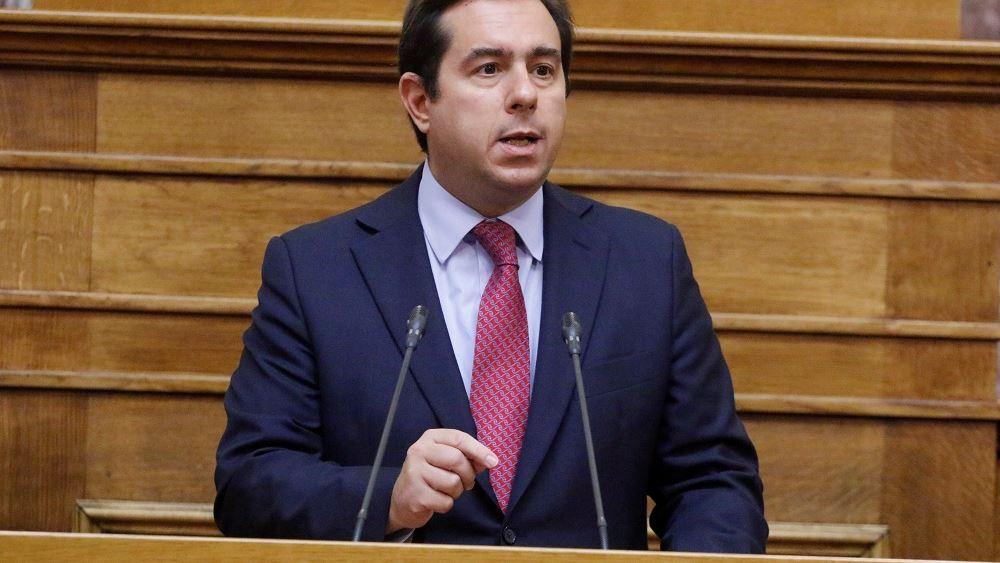 Μηταράκης: Ευνοϊκότερο καθεστώς για τους ελεύθερους επαγγελματίες με το νέο ασφαλιστικό