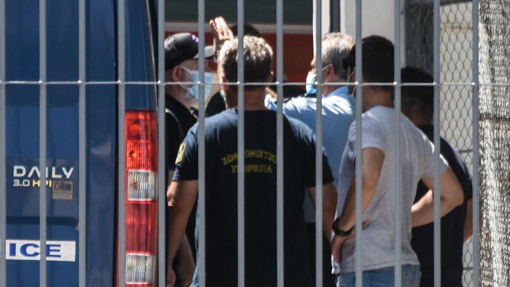 Ο ΠέτροςΦιλιππίδης στις φυλακές Τρίπολης μαζί με τον Δημ. Λιγνάδη