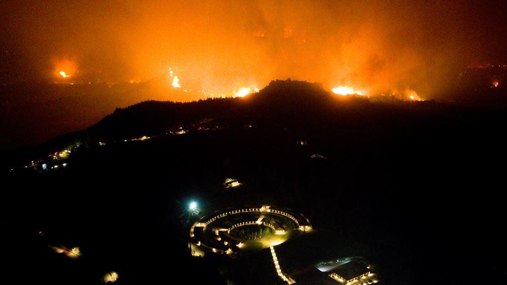 Μαίνεται η φωτιά στην Ηλεία - Στην περιοχή του Λάλα το κύριο μέτωπο