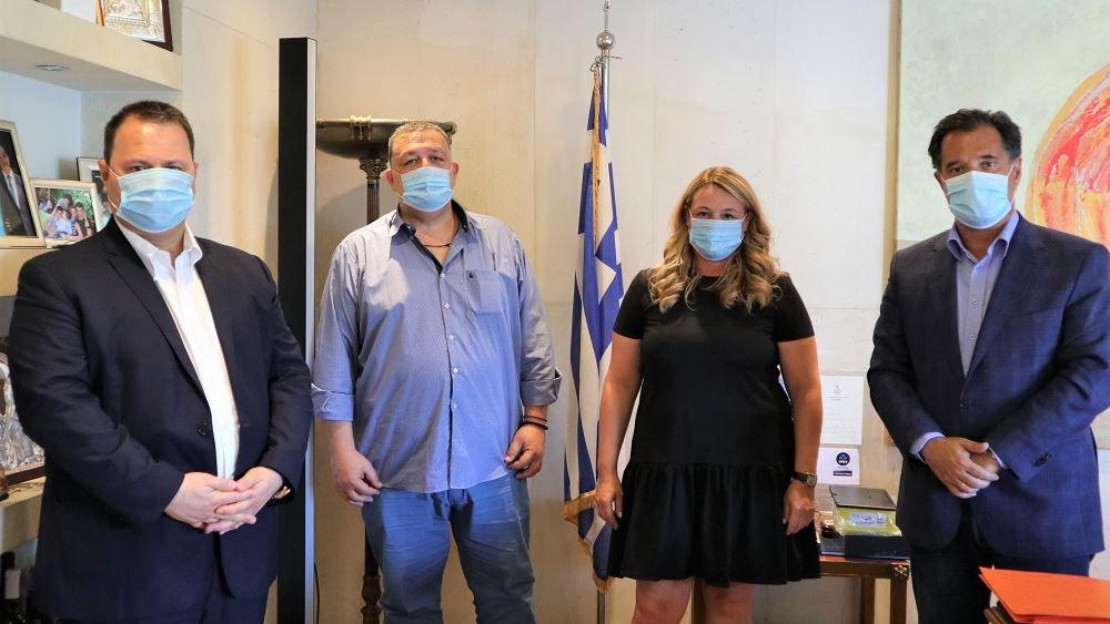 Ενισχύεται η ελληνική παραγωγή μασκών