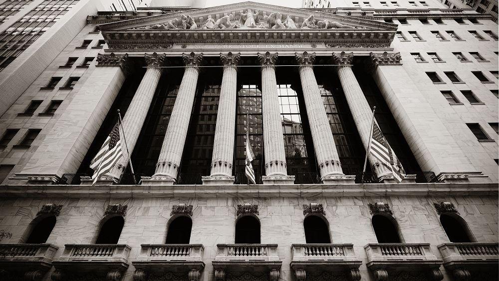 """Wall Street: Απώλειες τις οποίες συγκρατεί το ισχυρό ΑΕΠ """"δείχνουν"""" τα futures"""