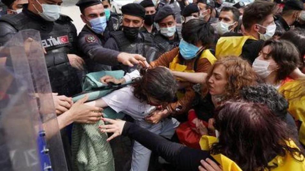 Τουρκία: Συλλήψεις 212 διαδηλωτών στις διαδηλώσεις της Εργατικής Πρωτομαγιάς