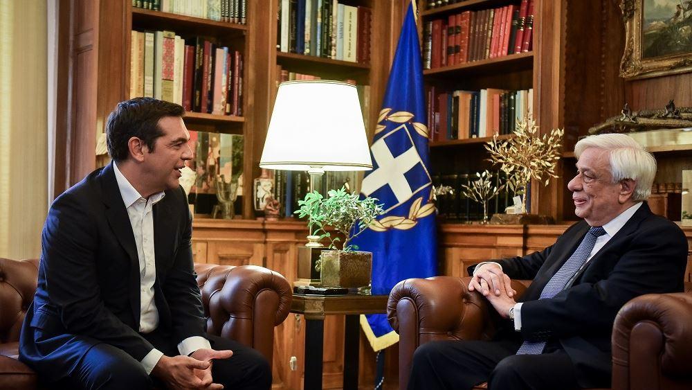 Τηλεφωνική επικοινωνία Παυλόπουλου - Τσίπρα με τις οικογένειες των δύο στρατιωτικών