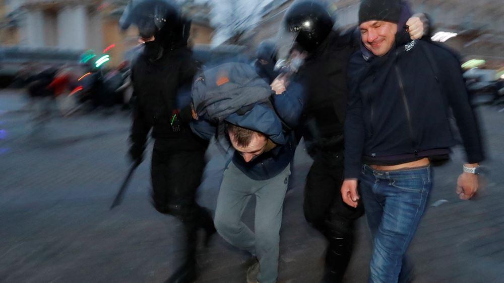 Γεωργία: Χιλιάδες διαδηλωτές έξω από τη Βουλή μετά τον θάνατο δημοσιογράφου