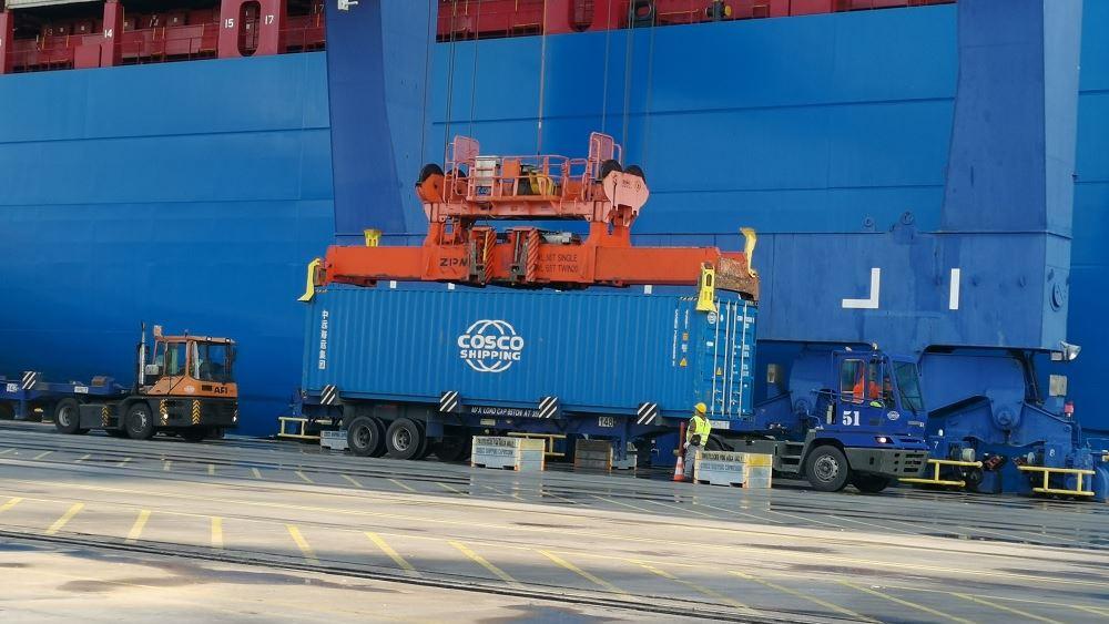 Γιατί μειώθηκε η άφιξη containers στον Πειραιά τον Αύγουστο