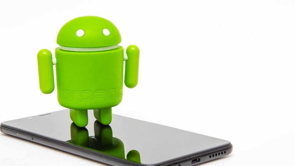 """Χάκερς 'εμφάνιζαν' 1 εκατ. κινητά Android ως smart TVs και """"πουλούσαν"""" ψεύτικο τηλεοπτικό χρόνο"""
