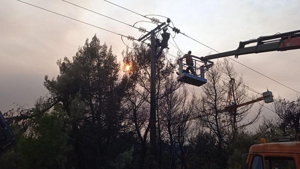 ΔΕΔΔΗΕ: Συνεχίζονται πυρετωδώς οι εργασίες αποκατάστασης του δικτύου ηλεκτροδότησης