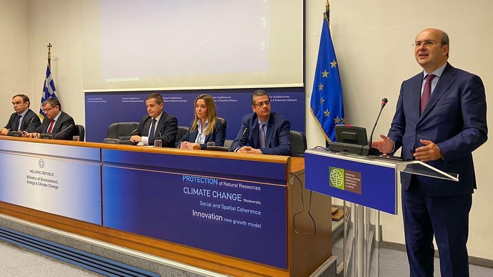 Κ. Χατζηδάκης: H Ελλάδα από τις πρώτες χώρες της ΕΕ που θα αποσύρει πλαστικά μιας χρήσης