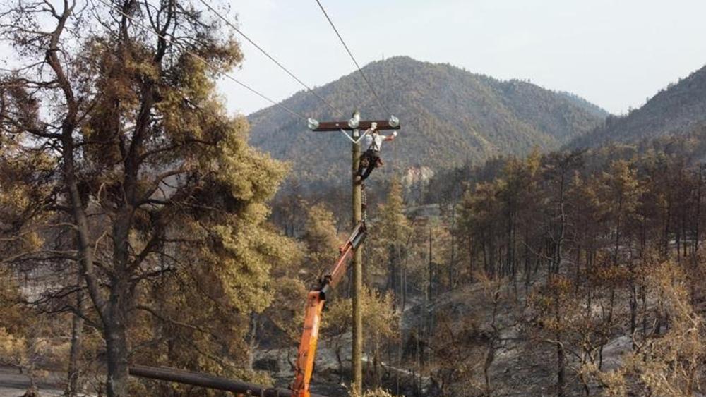 ΔΕΔΔΗΕ: Συνεχίζεται η αποκατάσταση της ηλετροδότησης - Οι περιοχές χωρίς ρεύμα σε Εύβοια, Πελοπόννησο