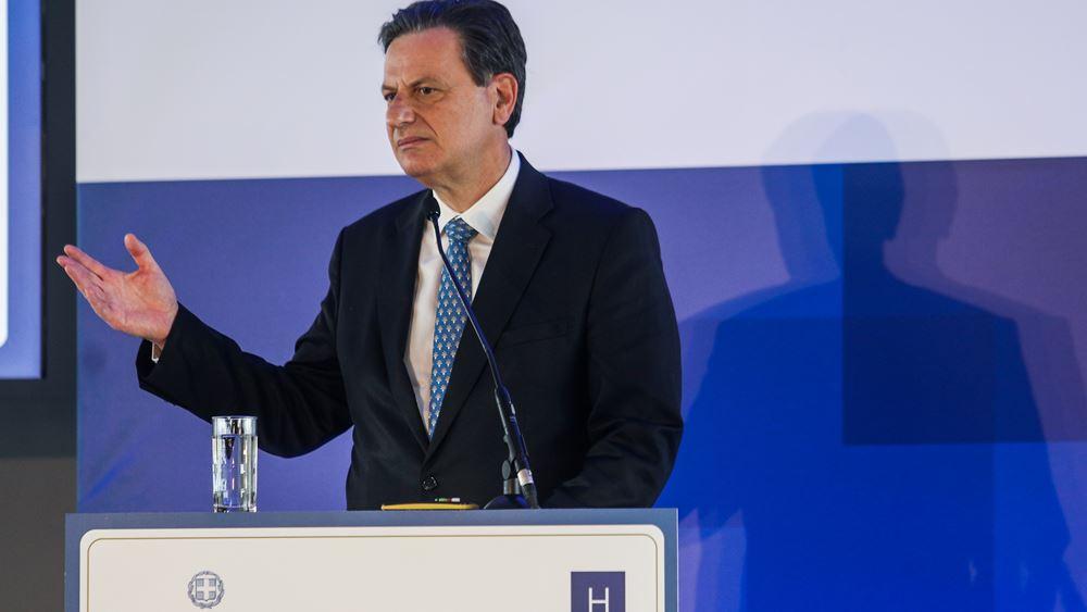 """""""Έκρηξη"""" επενδύσεων και ανάπτυξης τα επόμενα χρόνια στην Ελλάδα, προβλέπει ο Θ. Σκυλακάκης"""