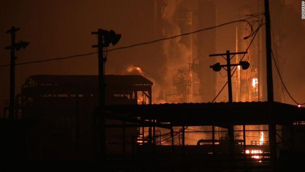 Τέξας: Οι αρχές διέταξαν εκκενώσεις πόλεων μετά από νέα έκρηξη σε χημικό εργοστάσιο