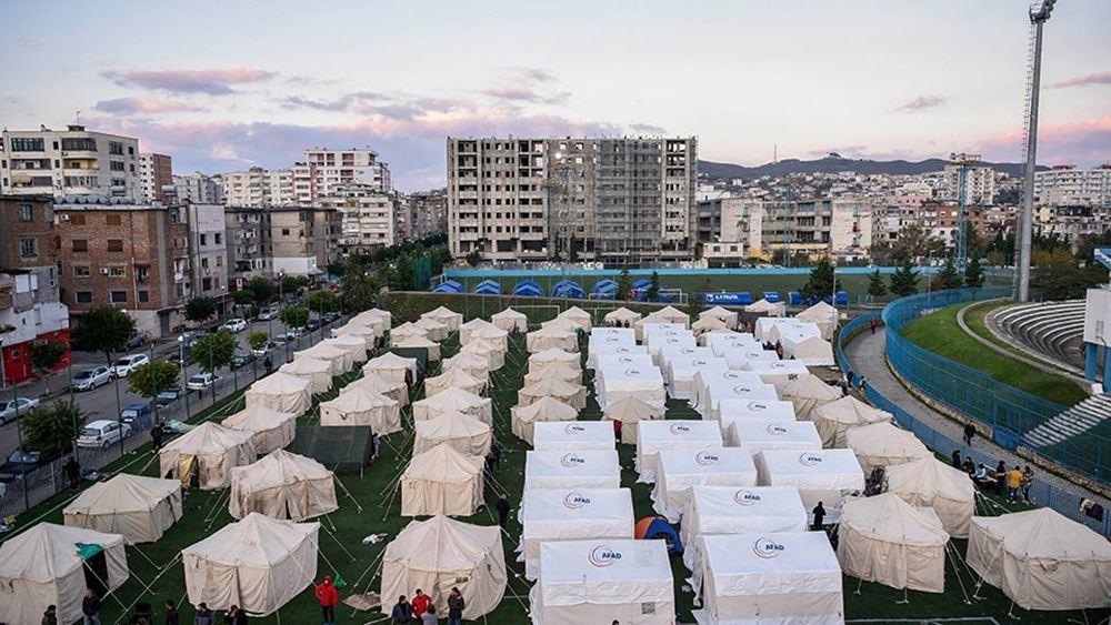 Αλβανία: Οι σεισμοπαθείς στο Δυρράχιο φοβούνται να γυρίσουν στα σπίτια τους