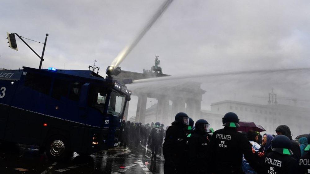 Γερμανία: Βίαιες διαμαρτυρίες έξω από το κοινοβούλιο