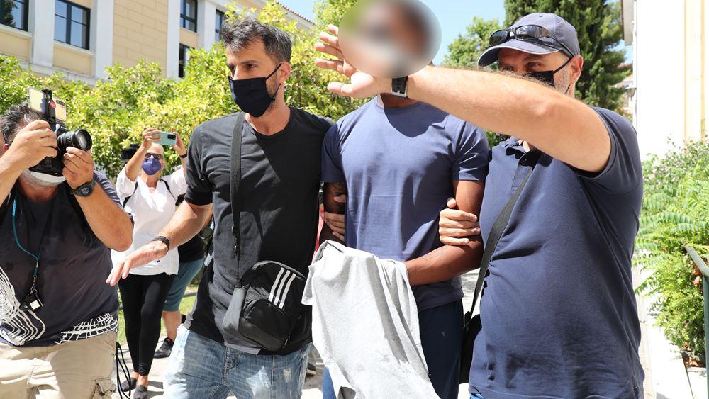 Ελεύθερος με εγγύηση 10.000 ευρώ μετά την απολογία του ο Ρούμπεν Σεμέδο