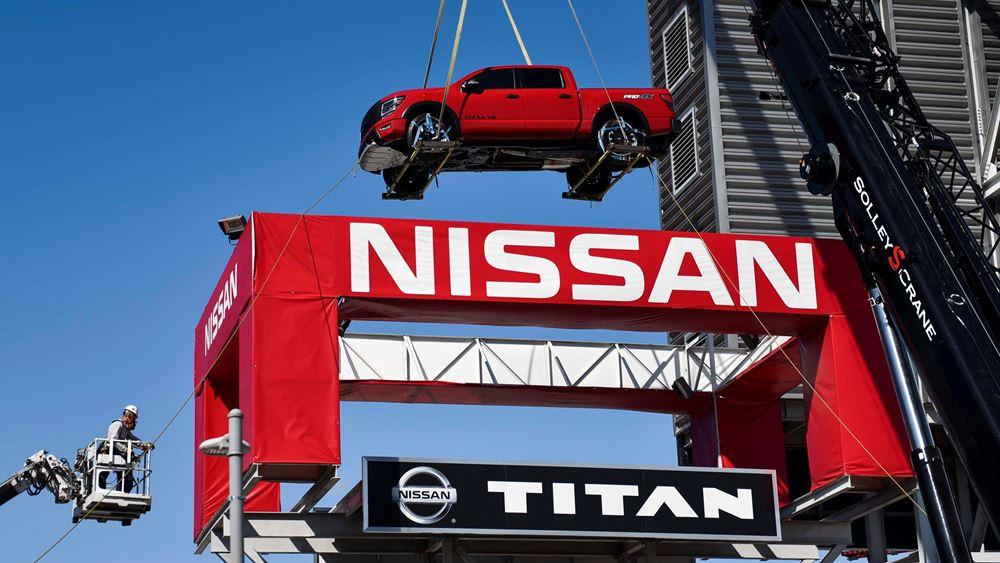 To νέο Nissan ΤΙΤΑΝ στον θρόνο του! (vid.)