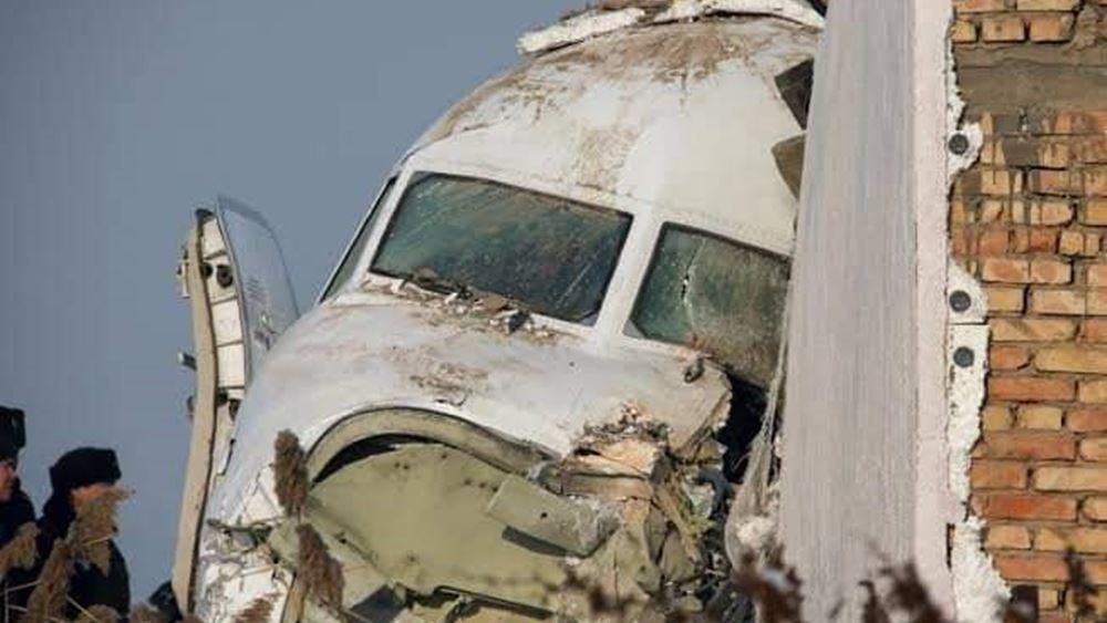 Τραγωδία με 12 νεκρούς στο Καζακστάν: Το αεροσκάφος άγγιξε δύο φορές το έδαφος πριν τη συντριβή