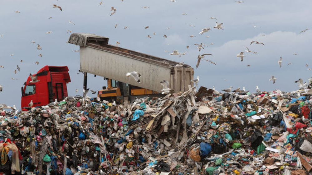 Το στοπ στις επενδύσεις πνίγει την Αττική στα σκουπίδια