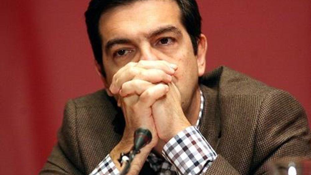 """""""Λίφτινγκ"""" Τσίπρα στον ΣΥΡΙΖΑ με το βλέμμα σε Συνέδριο και ...Παππά"""