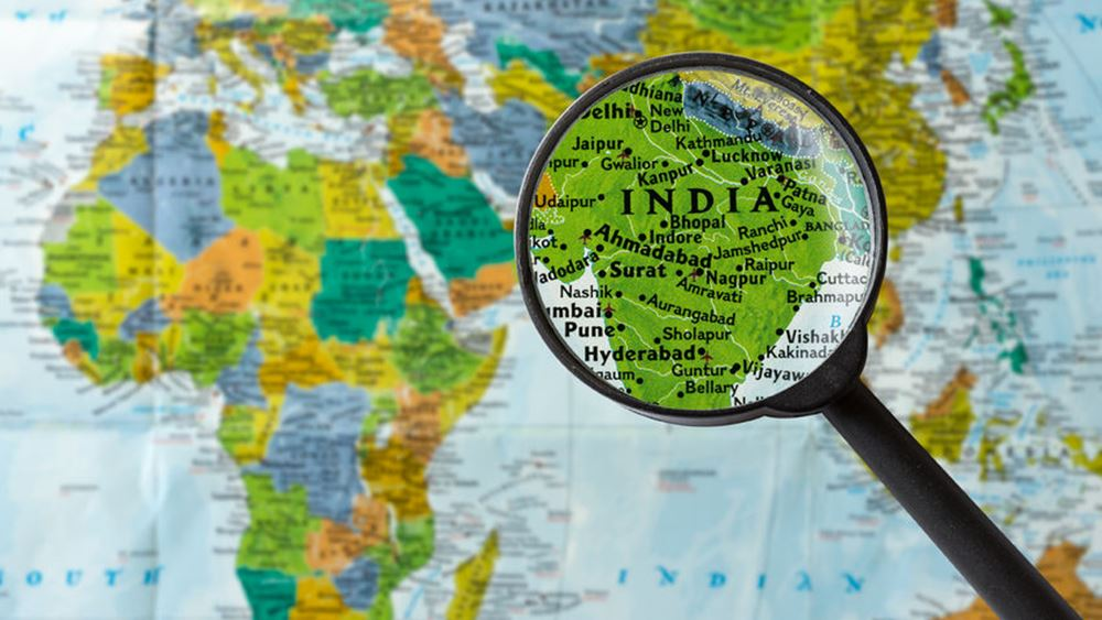 Ινδία: Σε 35 αυξήθηκε ο αριθμός των νεκρών από κατάρρευση κτιρίου