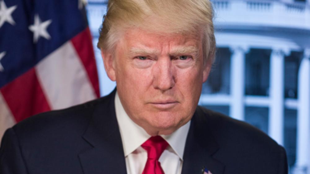Σφοδρή φραστική επίθεση του Τζον Μακέιν στον Ντ. Τραμπ