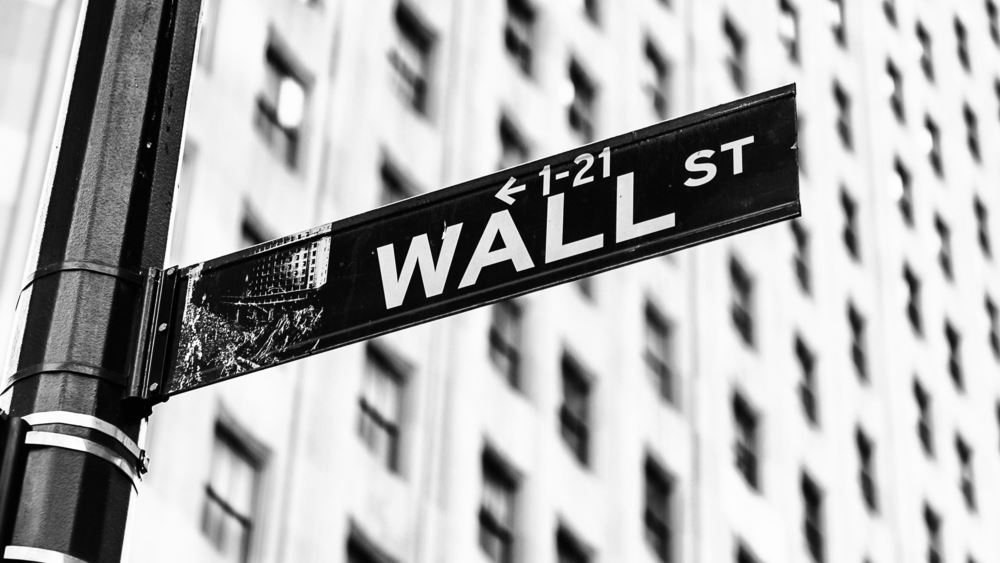 """Τα εταιρικά αποτελέσματα και η αγωνία για την Fed """"έριξαν"""" την Wall Street"""