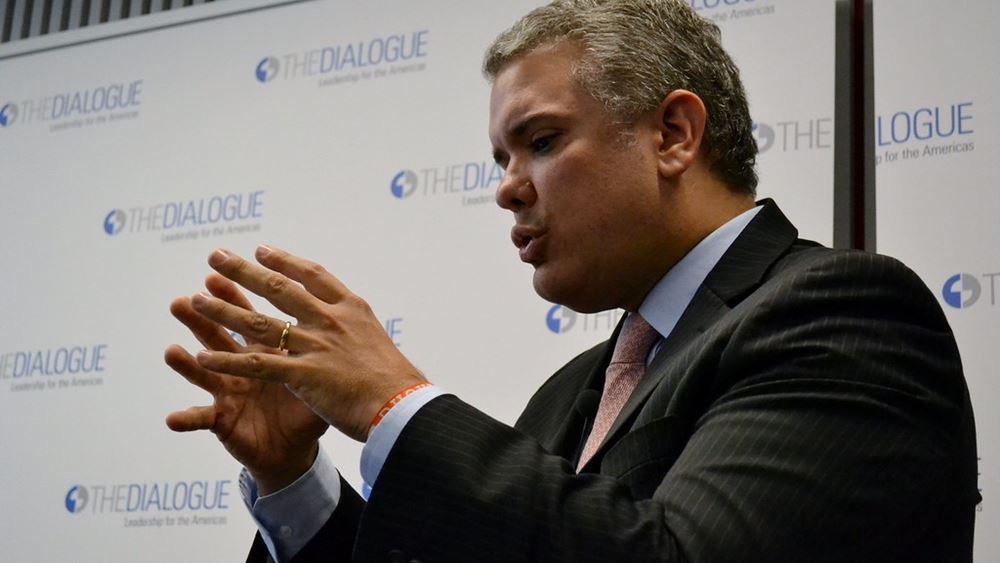 """Κολομβία: Ο πρόεδρος Ντούκε κατηγορεί τη Βενεζουέλα ότι """"φιλοξενεί"""" νέα οργάνωση ανταρτών"""