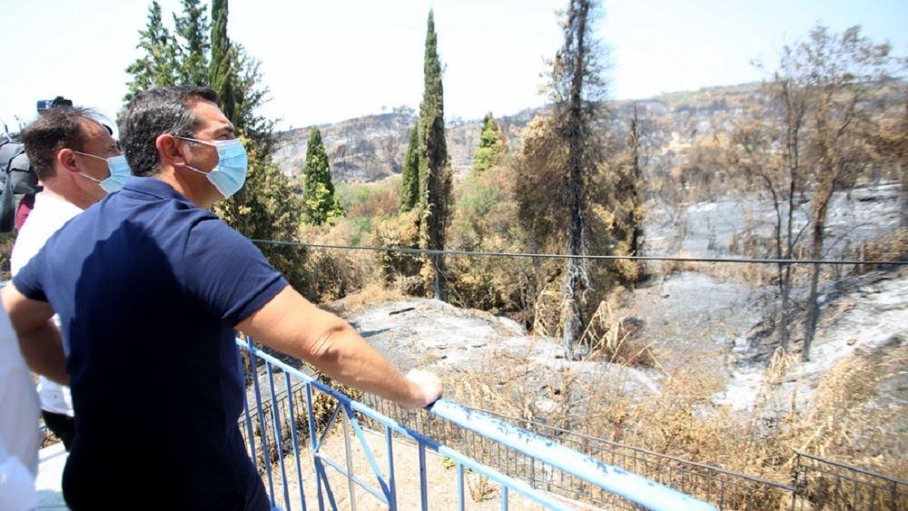 Τις πληγείσες περιοχές της Ηλείας επισκέφτηκε ο Αλ. Τσίπρας, όπου συνομίλησε με κατοίκους και τοπική αυτοδιοίκηση