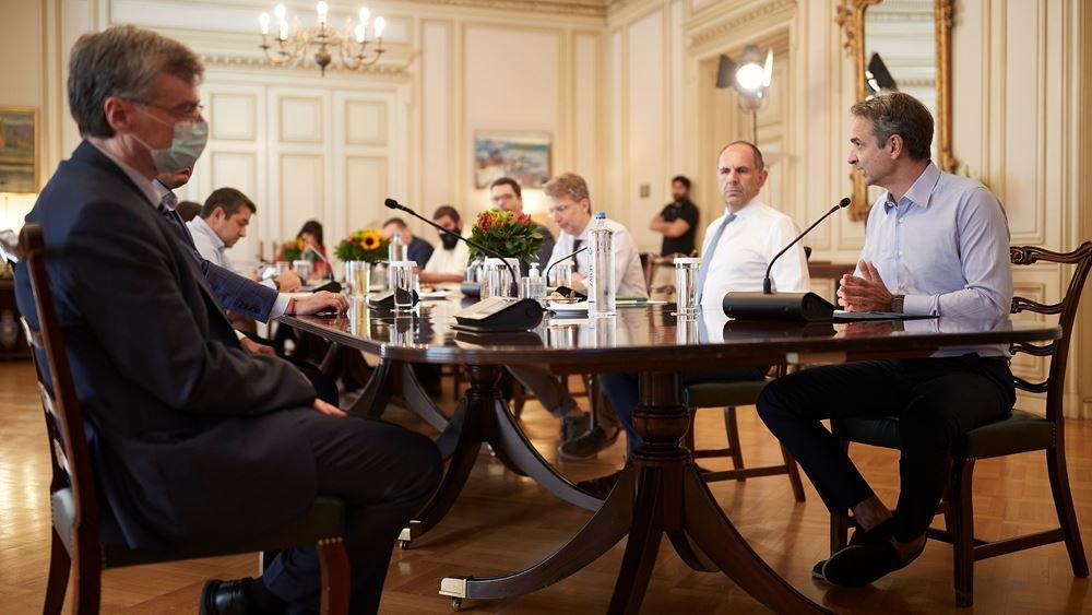 Σε επιφυλακή η κυβέρνηση για τον κορονοϊό - Σύσκεψη στο Μαξίμου - Ανοιχτό το ενδεχόμενο νέων μέτρων