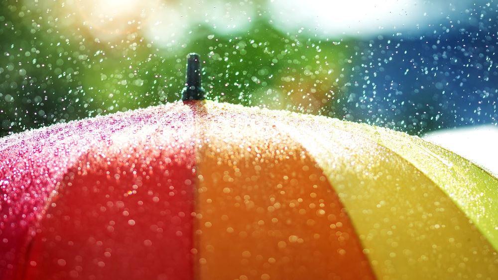 Καιρός: Ψυχρό μέτωπο φέρνει ισχυρές βροχές και πτώση της θερμοκρασίας,