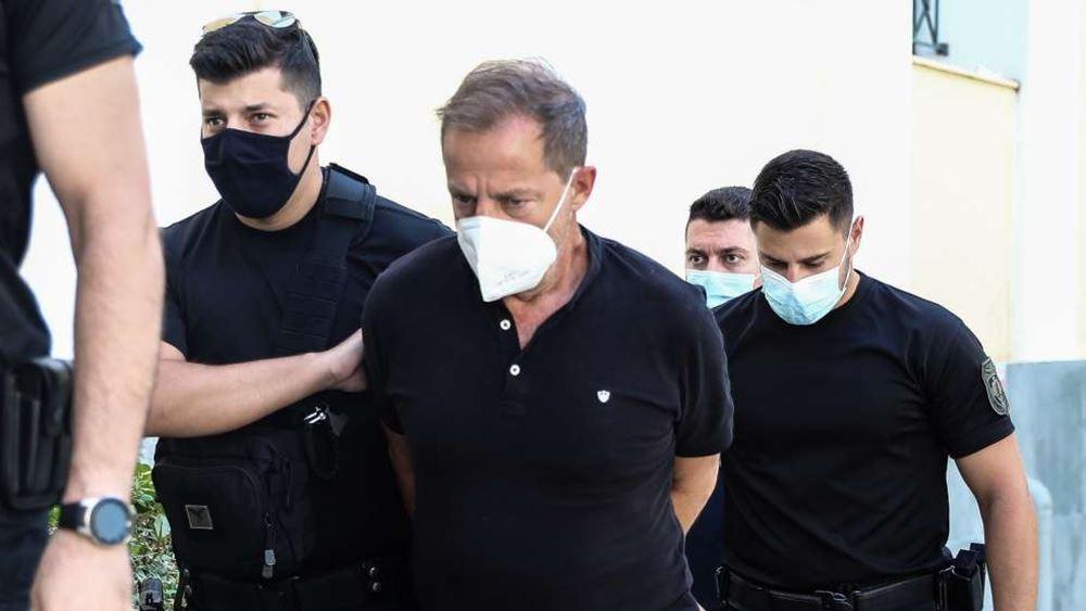 """Εισαγγελέας: Ο Δ. Λιγνάδης """"εκμεταλλευόταν την ευάλωτη οικονομικά και κοινωνικά θέση"""" των θυμάτων"""
