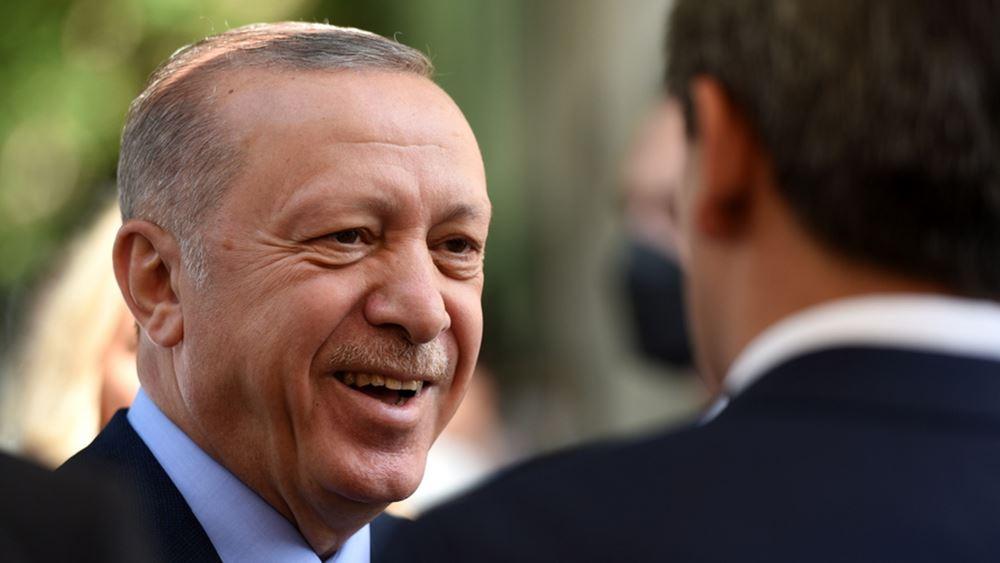 Αλλαγή πολιτικής ρότας εξετάζει ο Ερντογάν: Η ανάγκη για εξουσία, οι γκιουλενιστές και οι Γκρίζοι Λύκοι