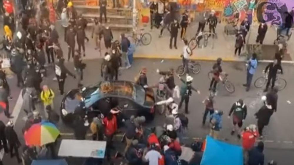 ΗΠΑ: Άνδρας έπεσε με το αυτοκίνητό του πάνω σε διαδηλωτές στο Σιάτλ