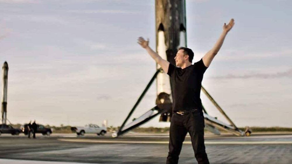 O Elon Musk εξασφάλισε νέα χρηματοδότηση 1,9 δισ. δολαρίων για τη SpaceX