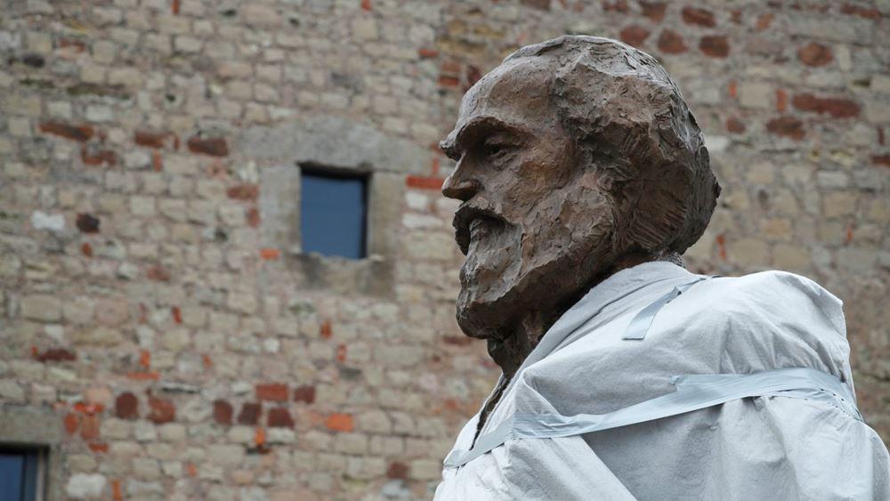 Λονδίνο: Βεβήλωσαν τον τάφο του Καρλ Μαρξ