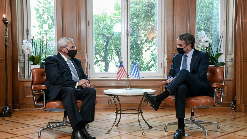 Η περαιτέρω εμβάθυνση των σχέσεων Ελλάδας και ΗΠΑ στη συνάντηση Μητσοτάκη - Μενέντεζ