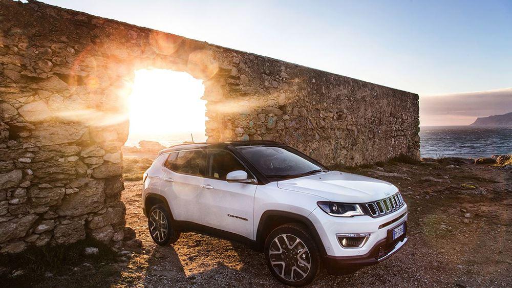 To κορυφαίο Jeep Compass κάτω από το φράγμα των 25.000€