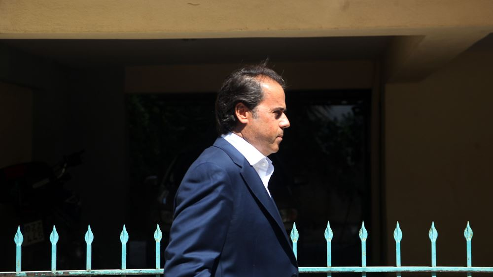"""Κατάθεση Παπασταύρου για Novartis: Βολές κατά εισαγγελέων - """"Έθαψαν αθωωτική δικαστική συνδρομή"""""""