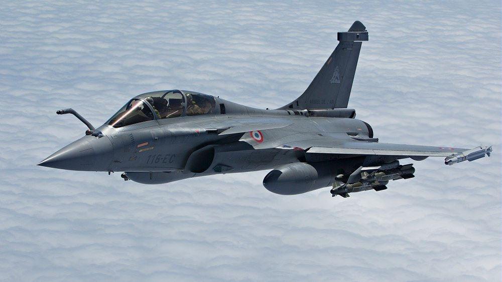 """Κύπρος: Έφτασαν στη βάση """"Ανδρέας Παπανδρέου"""" τα αεροσκάφη της γαλλικής πολεμικής αεροπορίας"""
