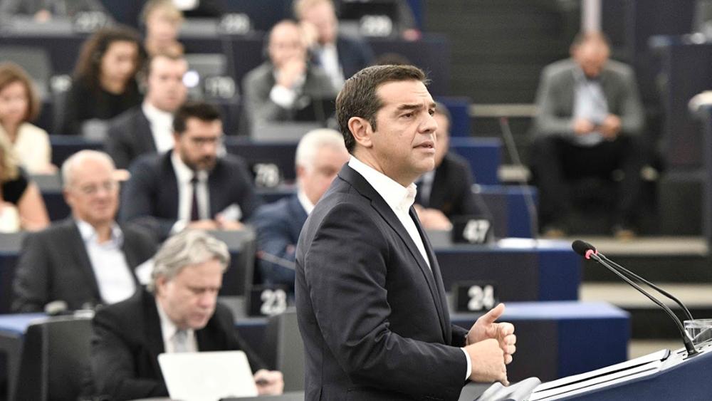 """Προεκλογικό """"πινγκ- πονγκ"""" Τσίπρα- ΕΛΚ στο ευρωκοινοβούλιο"""
