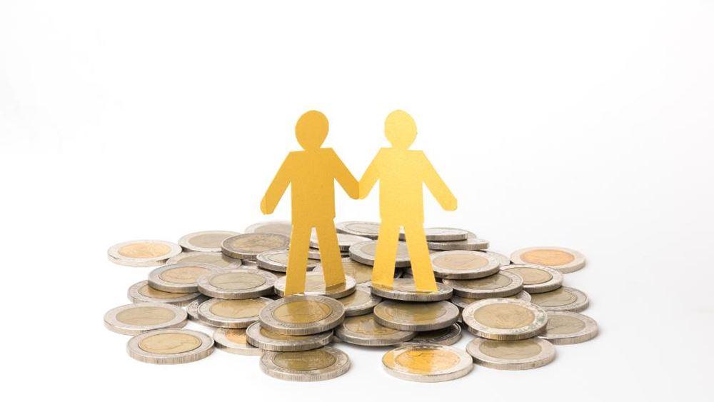 Eurobank: Τι απαιτείται για επιστροφή των αποταμιευτικών ροών των νοικοκυριών σε θετικό έδαφος