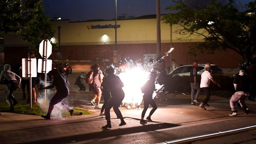 ΗΠΑ: Διαδηλώσεις σε όλη τη χώρα για τη δολοφονία Φλόιντ